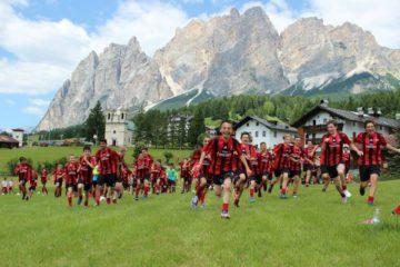 Campamento del AC Milan en Cortina d'Ampezzo Dolomitas Alpes