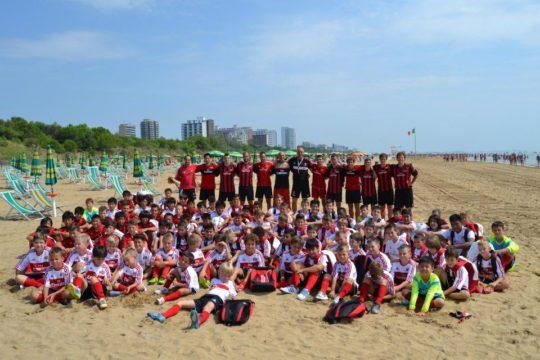 Acampamento do AC Milan em Lignano Sabbiadoro beira-mar