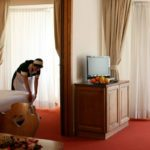 Hotel Alaska room
